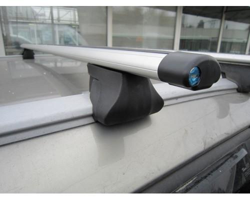 Багажник ИНТЕГРА с аэродинамическими дугами с замком на рейлинги