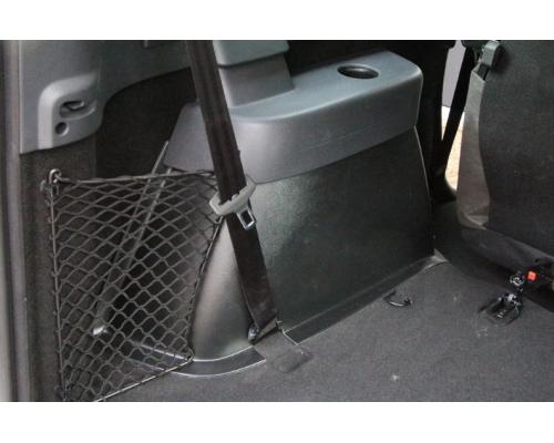 Накладки ковролина на заднюю арочную нишу Yuago АртФорм для Lada Largus 7-местный