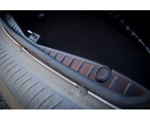 Накладка в проем багажника Yuago АртФорм для Renault Logan 2014-