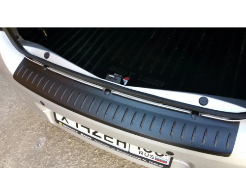 Накладка на задний бампер Yuago АртФорм для Renault Logan 2014-